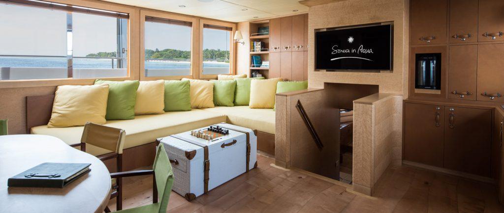 soneva-in-aqua-main-living-room