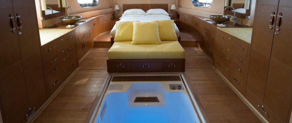 soneva-in-aqua-master-bedroom